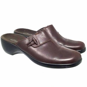 Clarks S052418-49 Brown Mules