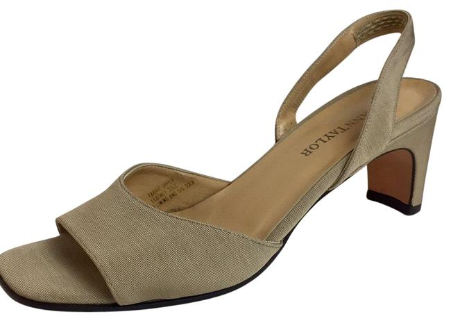 Item - Cream /Tan New Made In Italy Open Toe Sandals Size US 7 Regular (M, B)