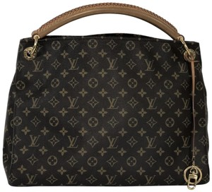 012c5ad7f9a2 Louis Vuitton Hobo Bags - Up to 70% off at Tradesy (Page 3)