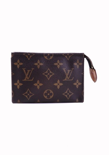 Preload https://img-static.tradesy.com/item/25183698/louis-vuitton-brown-pochette-15-monogram-canvas-leather-toiletry-travel-dopp-cosmetic-bag-0-0-540-540.jpg