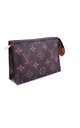 Louis Vuitton Pochette 15 Monogram Canvas Leather Toiletry Cosmetics Travel Dopp Bag Image 1