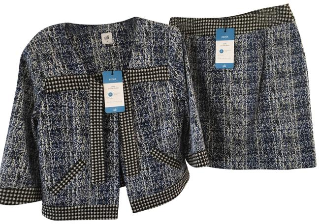 Preload https://img-static.tradesy.com/item/25184247/cabi-tweed-looking-blue-black-and-white-21-club-jacket-style-5295-skirt-suit-size-10-m-0-1-650-650.jpg
