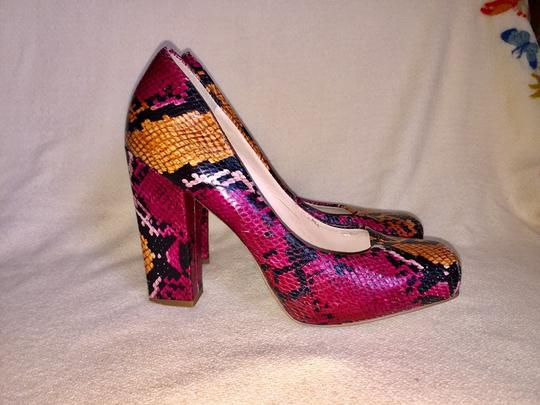 Nine West Fusha, gold & black Platforms Image 4