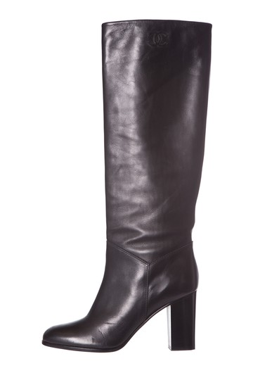 Preload https://img-static.tradesy.com/item/25184772/chanel-black-leather-knee-high-bootsbooties-size-eu-385-approx-us-85-regular-m-b-0-0-540-540.jpg