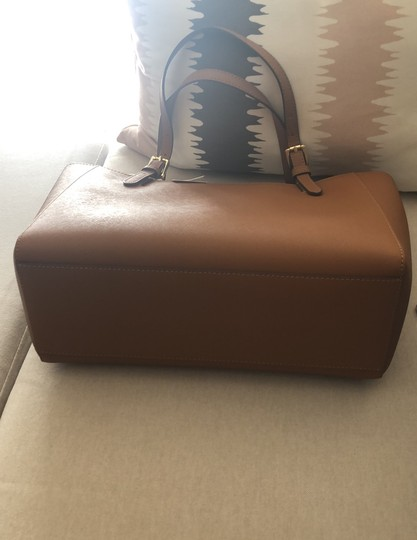 Tory Burch Tote in Camel Brown Image 2