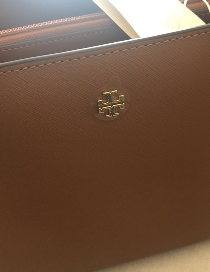 Tory Burch Tote in Camel Brown Image 3