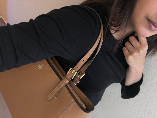 Tory Burch Tote in Camel Brown Image 9