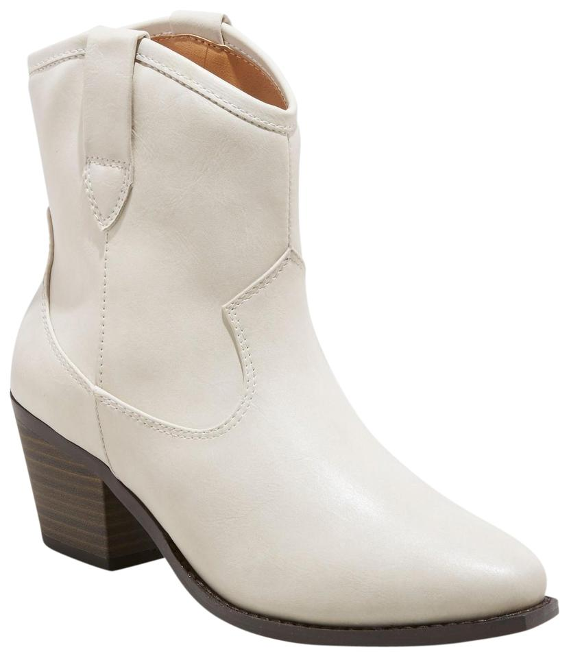 great varieties professional purchase genuine White Women's Vanessa Faux Leather Short Pull On Western - Boots/Booties  Size US 9.5 Regular (M, B) 5% off retail