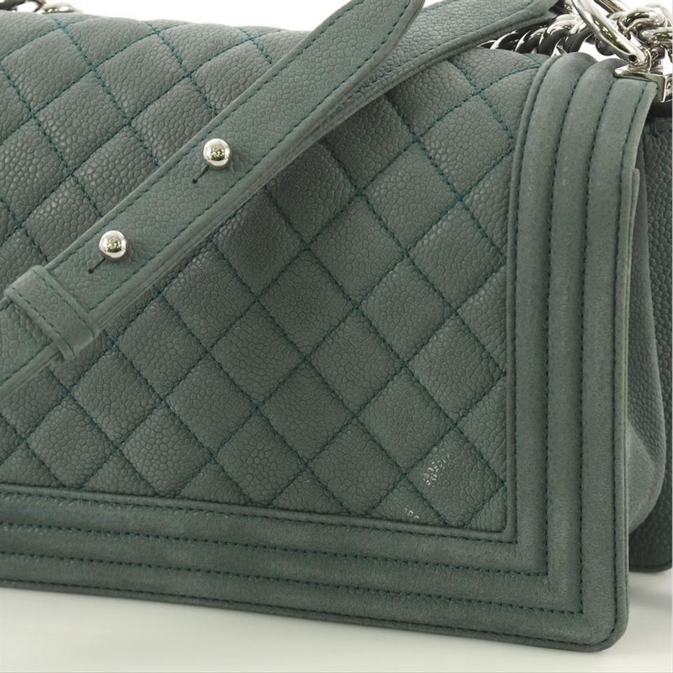 374a4fa61001 Chanel Classic Flap Boy Quilted Matte Old Medium Green Caviar ...