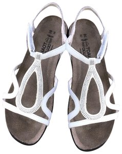6c82f63df0f2 Naot Comfort Strappy Flat White Sandals