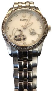 Bulova Mother Of Pearl Face. Diamond Markers. Self winding.