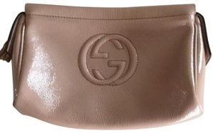 22c30cbb2f3d Gucci Cosmetic Bags - Up to 70% off at Tradesy (Page 2)