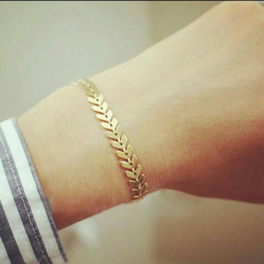 Unknown Gold Chevron Bracelet Image 1