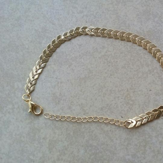 Unknown Gold Chevron Bracelet Image 2