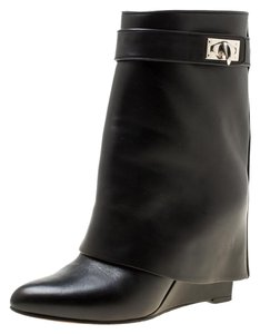 819d663b5ba7 Women s Boots   Booties - Up to 90% off at Tradesy