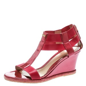 91436fd14 Fendi Sandals - Up to 90% off at Tradesy