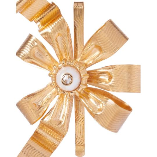 Gucci gold plated faux pearl logo hair slide Image 4