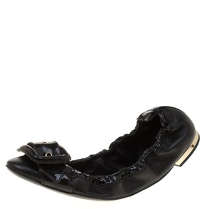 1eee6956160 Burberry Flats - Up to 70% off at Tradesy (Page 2)