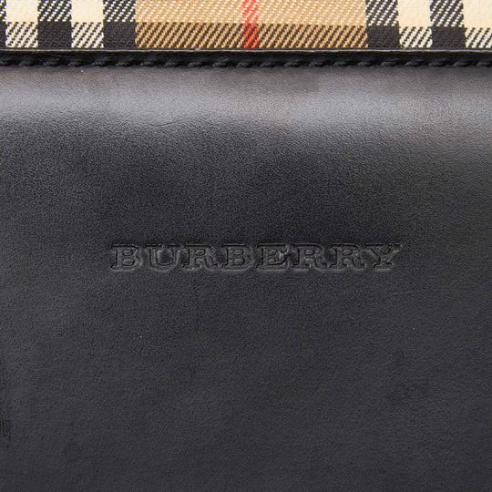 Burberry 9cbuhb038 Vintage Leather Shoulder Bag Image 5