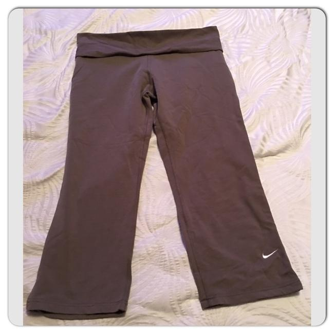 Nike Fit Dry Crops Image 2
