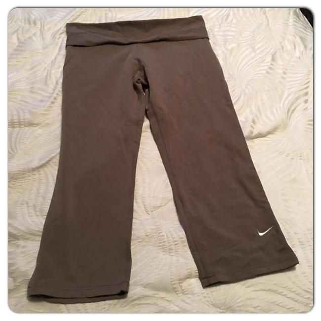 Nike Fit Dry Crops Image 4