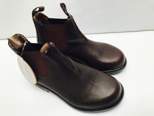 Bluenotes' Brown Boots Image 5
