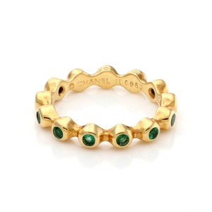 Chanel Emerald 18k Yellow Gold Stack Band Ring