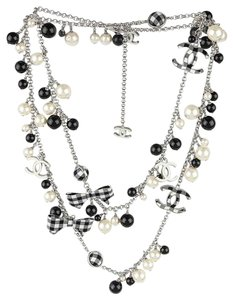 Chanel CHANEL BLACK WHITE PEARL CC GINGHAM BOW LOGO LONG NECKLACE RARE