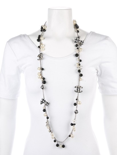 Chanel CHANEL BLACK WHITE PEARL CC GINGHAM BOW LOGO LONG NECKLACE RARE Image 1