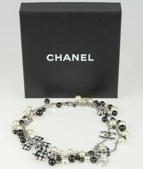 Chanel CHANEL BLACK WHITE PEARL CC GINGHAM BOW LOGO LONG NECKLACE RARE Image 3