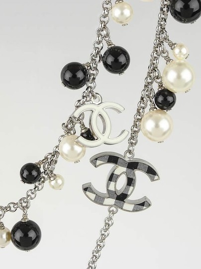 Chanel CHANEL BLACK WHITE PEARL CC GINGHAM BOW LOGO LONG NECKLACE RARE Image 5