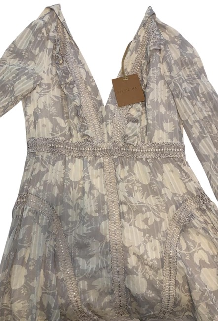 Preload https://img-static.tradesy.com/item/25193650/white-and-grey-flowered-short-casual-dress-size-4-s-0-1-650-650.jpg