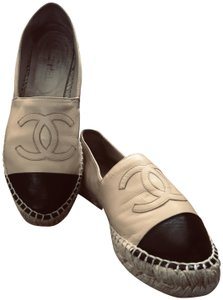 Chanel Rare Iconic Beige Mules