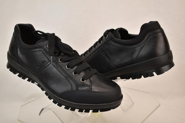 Prada Black Men's Leather Rubber Lace Up Logo Lug Sole Sneakers 9/ Us 10 Shoes Prada Black Men's Leather Rubber Lace Up Logo Lug Sole Sneakers 9/ Us 10 Shoes Image 1