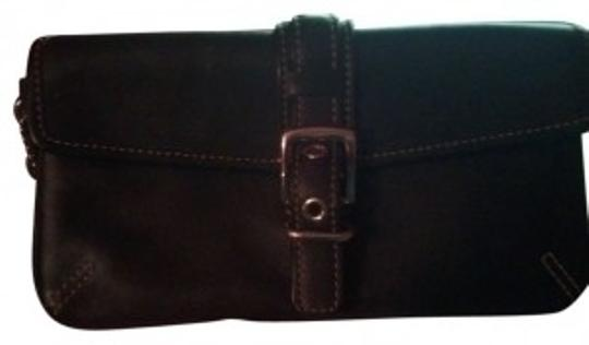 Preload https://item1.tradesy.com/images/coach-black-leather-wristlet-25195-0-0.jpg?width=440&height=440