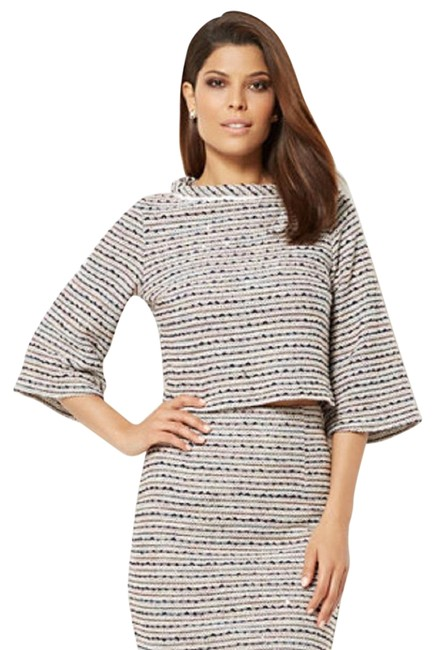 Preload https://img-static.tradesy.com/item/25195356/eva-mendes-new-york-and-company-women-s-collection-reese-bell-sleeve-tweed-sweater-0-2-650-650.jpg