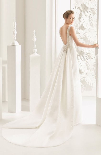Item - Natural Navas Embellished Piqué Column Gown with Train Current At Nordstrom Traditional Wedding Dress Size 10 (M)