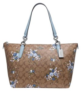 164664f563 Coach Bags and Purses on Sale - Up to 70% off at Tradesy (Page 157)