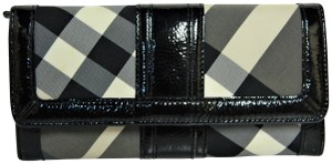 Burberry Burberry Beat Check Nylon and Patent Leather Penrose Continental Walle