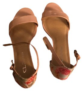 CL by Chinese Laundry Pink red flowers Sandals