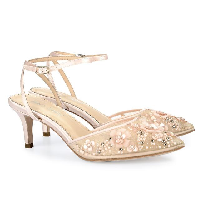 Item - Blush Rosa Low Heel Pearl Formal Size US 8 Regular (M, B)