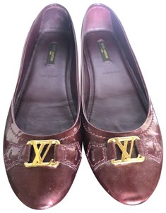 34d99fbd189c Red Louis Vuitton Flats - Up to 90% off at Tradesy