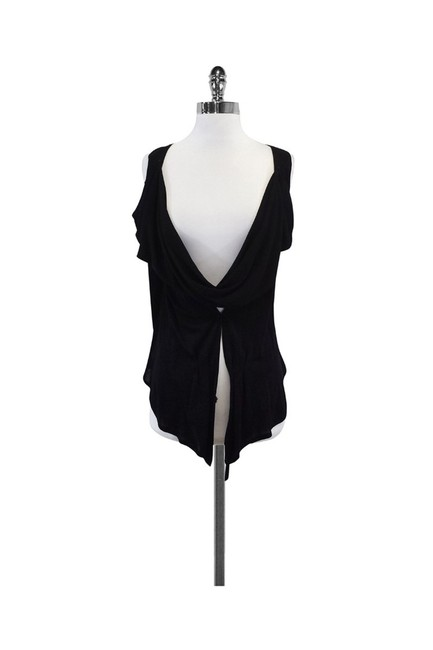 Item - Black Activewear Top Size 6 (S)