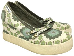 1c03fa087ac4 Women s American Eagle Outfitters Shoes - Up to 90% off at Tradesy