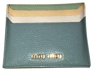 10284d75902c Miu Miu Wallets - Up to 70% off at Tradesy