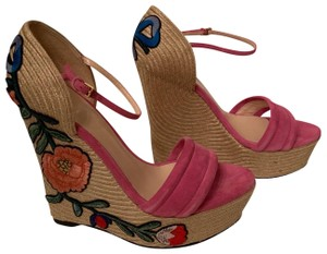 8a39d36861c Gucci Women s Shoes on Sale - Up to 70% off at Tradesy (Page 4)