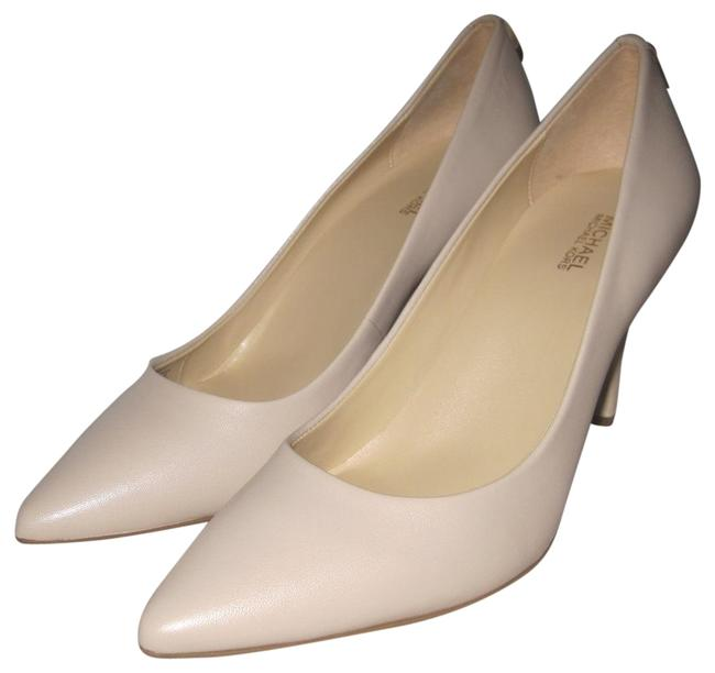 Item - Bisque Leather Mk Flex Mid Kitten Heel Pumps Size US 9.5 Regular (M, B)