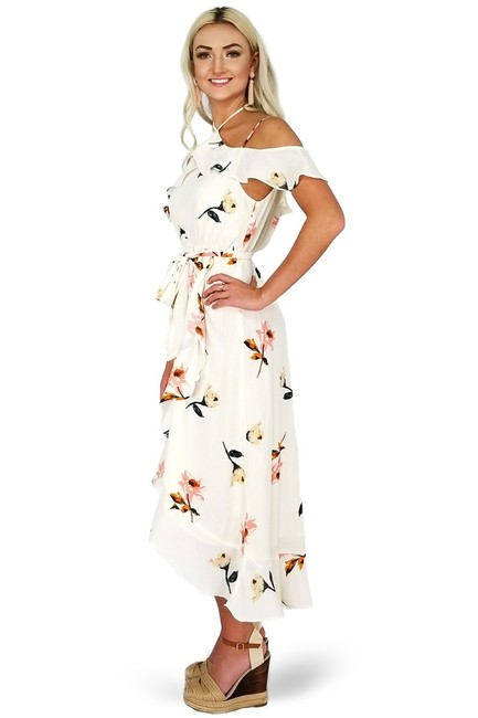 Essue short dress cream Beguiling Style Floral on Tradesy Image 1