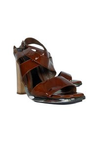 Marni Patent Leather brown Pumps