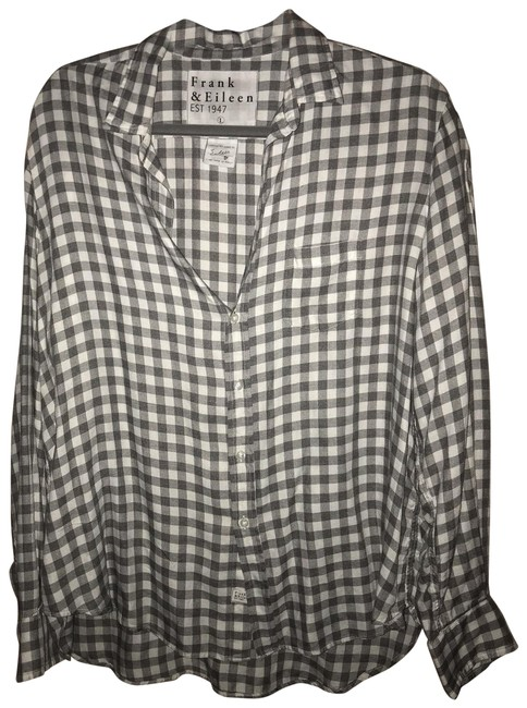 Preload https://img-static.tradesy.com/item/25214064/white-and-grey-button-down-top-size-12-l-0-1-650-650.jpg